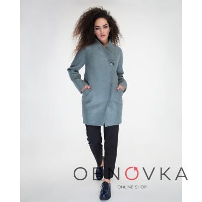 Женское пальто с хомутом