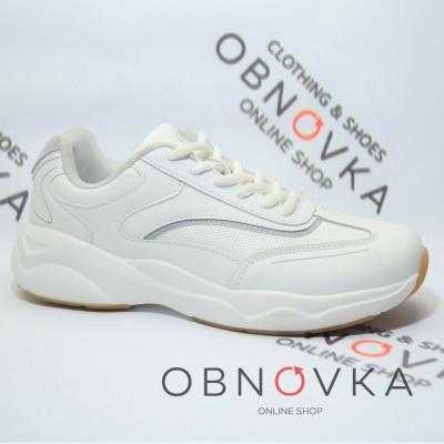 Жіночі кросівки Restime 19389 білі