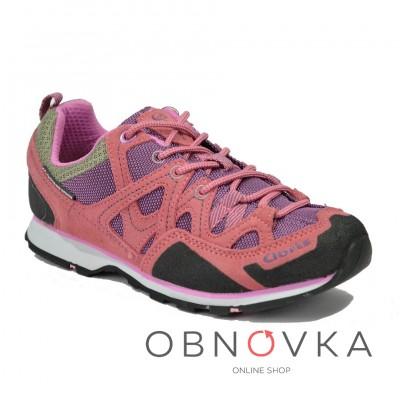 Женские кроссовки для треккинга