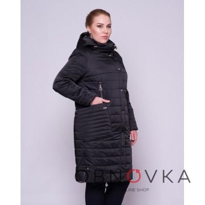 Длинная женская куртка из атласа