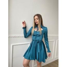 Шелковое платье с пышной юбкой