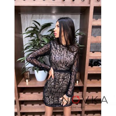 Коктейльное облегающее платье декорированное узором из пайеток