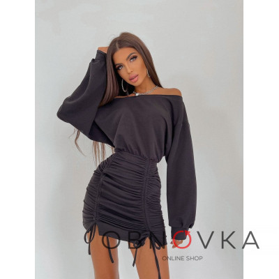 Платье-мини со сборкой на юбке
