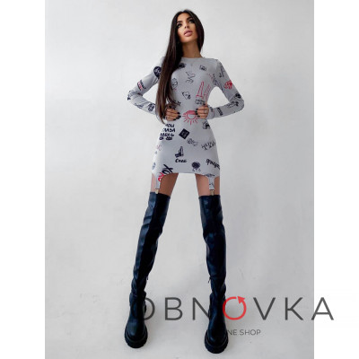 Платье с креативным принтом и металлическими застежками